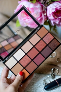 Makeup Revolution Iconic Fever Palette recenze review